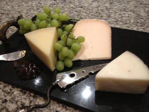 무화과 잼, 만체고, 미드나잇 문, 드렁큰 고트 치즈 (왼쪽부터)